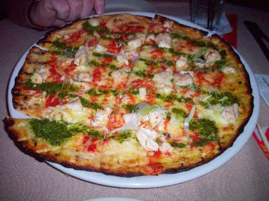Chardonnay's Restaurant: grilled chicken & pesto pizza