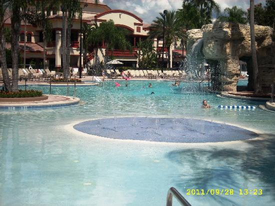 Sheraton Vistana Villages - International Drive: One of the pools, so cool....