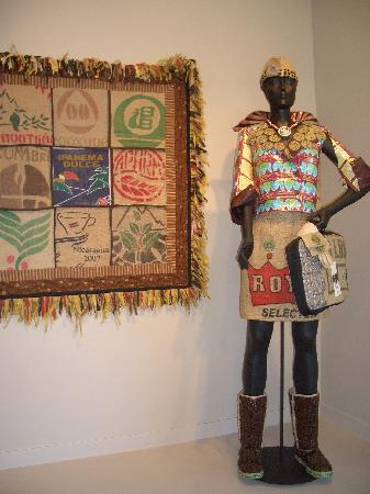San Jose Museum of Quilts & Textiles: Entrance exhibit of Scrap Art