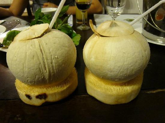 Nha Hang Ngon: Coconut drink