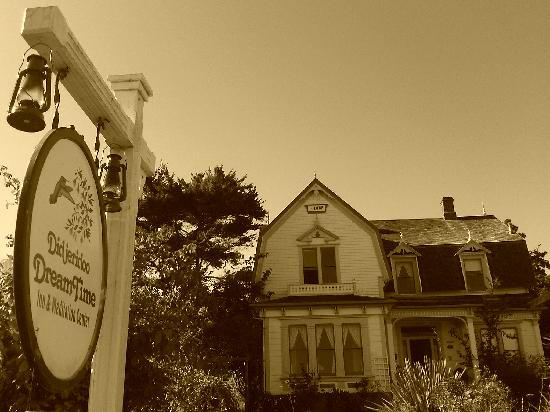 Didjeridoo Dreamtime Inn: The inn