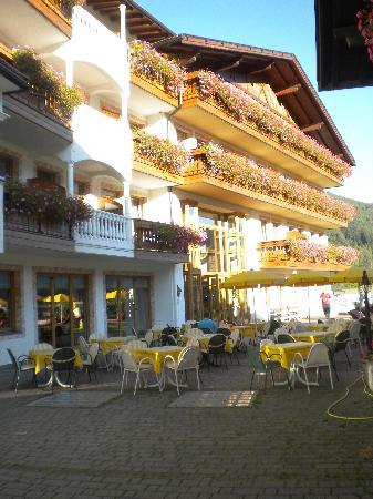 Chienes, إيطاليا: esterno hotel