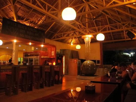 Nic's Ristorante Pizzeria & LoungeBar : Nic's