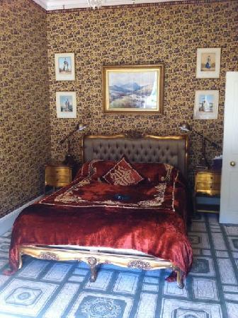 Home House: Antique