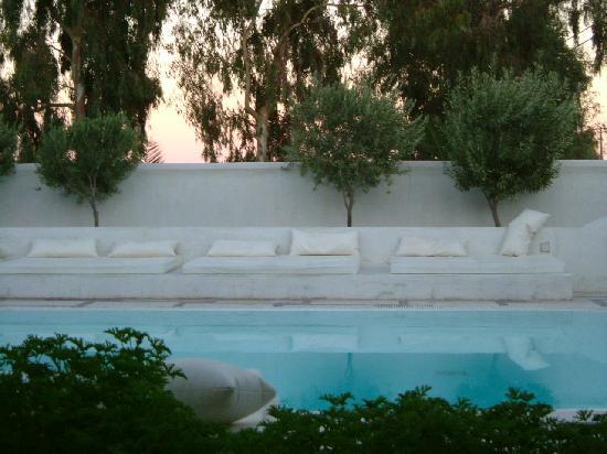 Hotel 28: Sunbeds