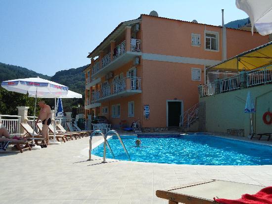 Angelica Hotel: Hotel und Pool
