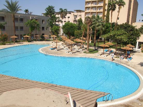 Eatabe luxor hotel egypten hotel anmeldelser for Billige schwimmingpools