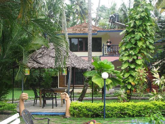 Akhil Beach Resort: Pool-Side Rooms