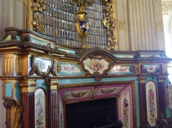 พระราชวังโดลมาบาชเช่: Dolmabahe