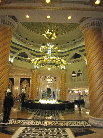 Jumeirah Zabeel Saray: Hotel Lobby