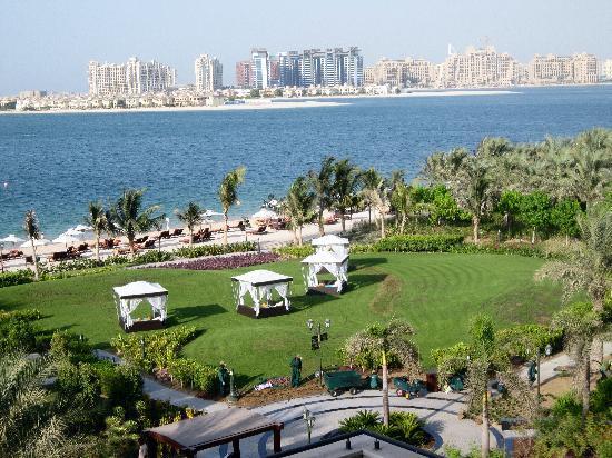 โรงแรมจูไมราซาบีลซาเรย์: View from balcony
