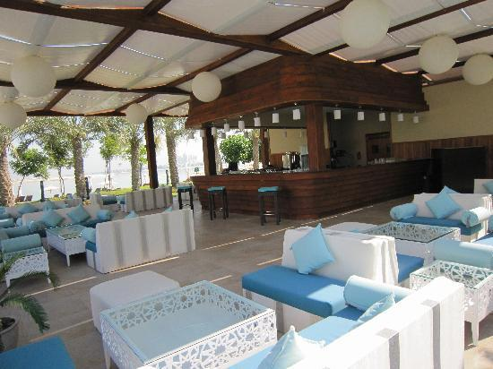 Jumeirah Zabeel Saray: Plaj beach bar and restaurant