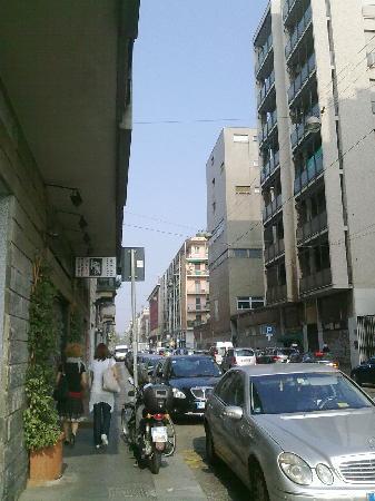 Aparthotel Navigli : street apartment building is on