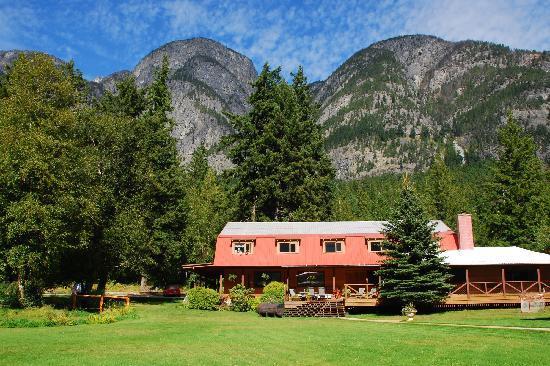 Tweedsmuir Park Lodge: Main Lodge