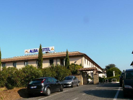 Alba Hotel Torre Maura: entrance