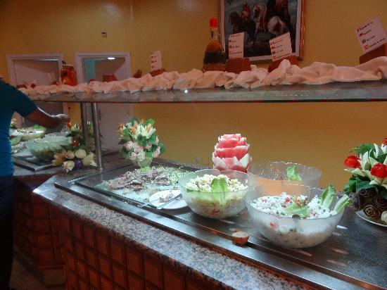 El Mouradi Skanes: buffet des entrées