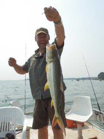 Gache Gache Lodge: Catch & release Tiger fish!