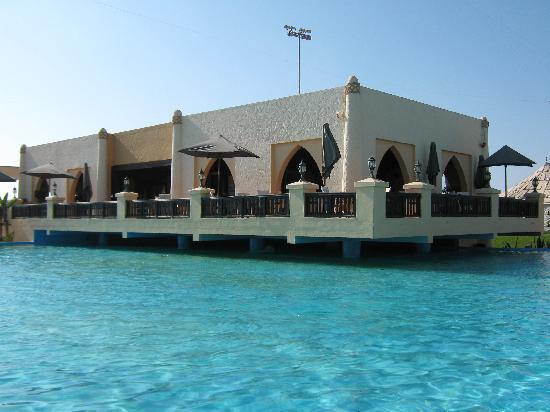 Palais des Roses: snack sur l'eau,face a la mer