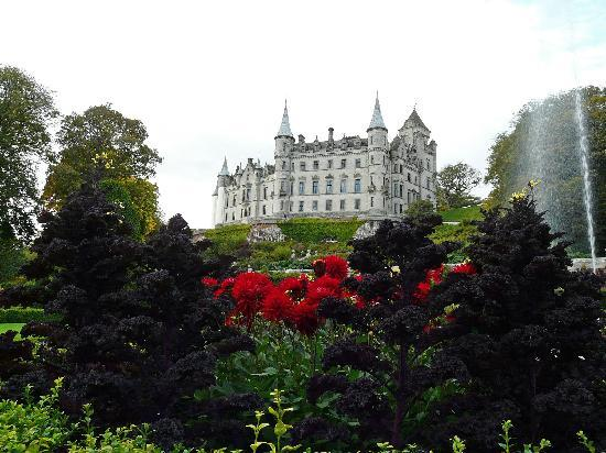 Dunrobin Castle and Gardens: View of the castle from the garden