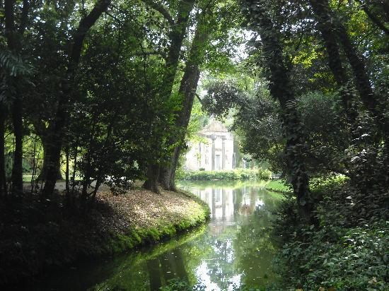 Giardino inglese foto di reggia di caserta caserta - Reggia di caserta giardini ...
