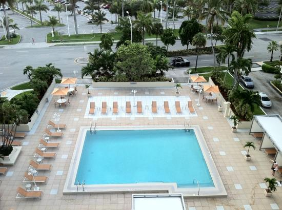 Courtyard Miami Coconut Grove: View of the pool from Room #912