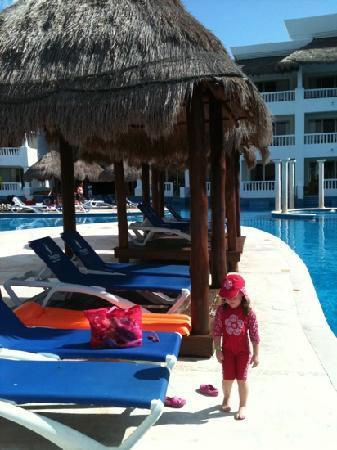 Grand Riviera Princess All Suites Resort & Spa: another pool and surrounding loungers