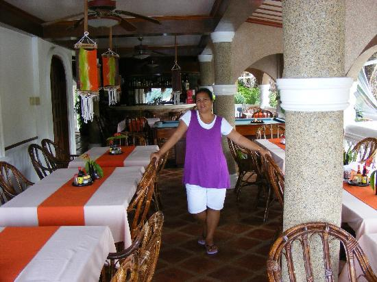 Blue Crystal Beach Resort: Restaurant