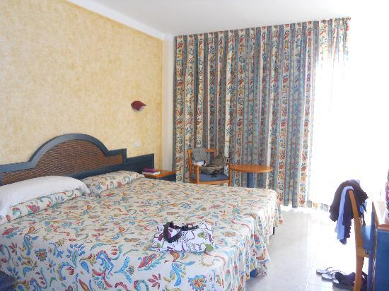 azuLine Hotel Coral Beach : camera