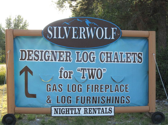 Silverwolf Log Chalet Resort: confusing message for a pedant!