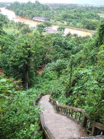 Vang Vieng, Laos: 洞窟入口からの眺め