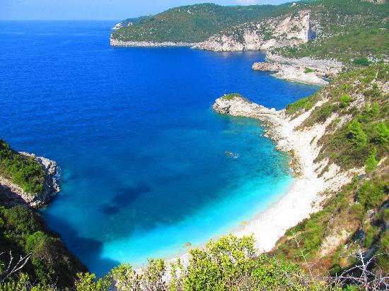 Paxos, Griekenland: beach we couldn't get to!