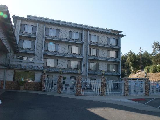 Yosemite Southgate Hotel & Suites : exterieur