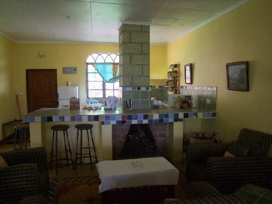 Kembu Cottages: Sitting Lounge inside but we used outside.