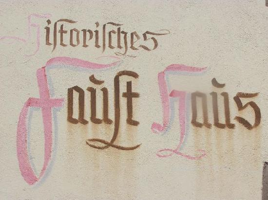 Magister Faust Haus: 10