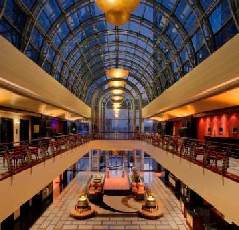 Dusit  Thani Dubai: Dusit Thani Dubai's Lobby
