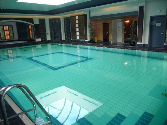 Hall picture of careys manor hotel senspa - Hotels in brockenhurst with swimming pools ...