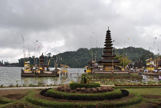 Ulun Danu Bratan Temple: Pura Ulun Danu Beratan