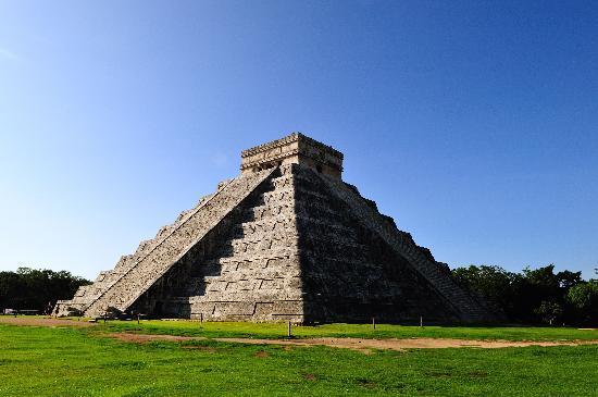 ชิเชนอิทซา: Castillo chichen Itza
