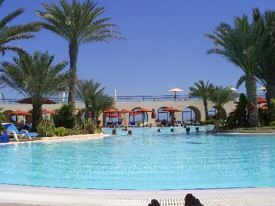 SENTIDO Djerba Beach: pool is just like the brochure