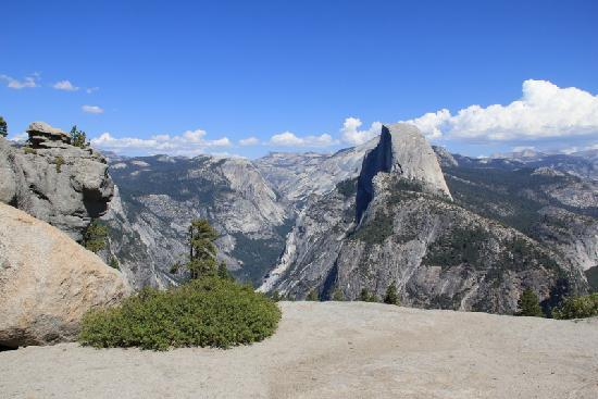 Glacier Point: Wide view from our picnic spot.