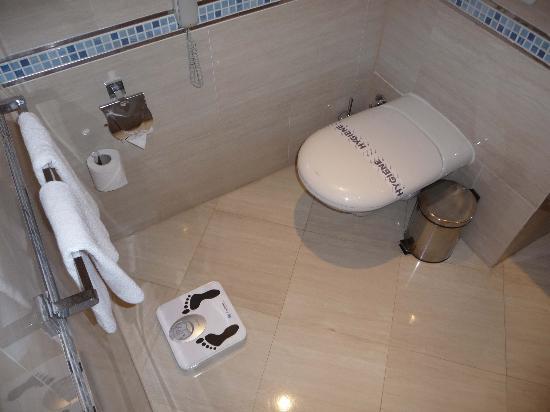 SUNRISE Crystal Bay - Grand Select-: salle d bains