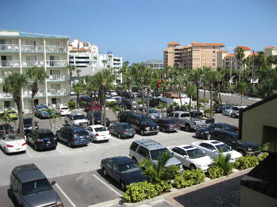 Quality Hotel Clearwater Beach Resort: View of car park - great for people watching :)