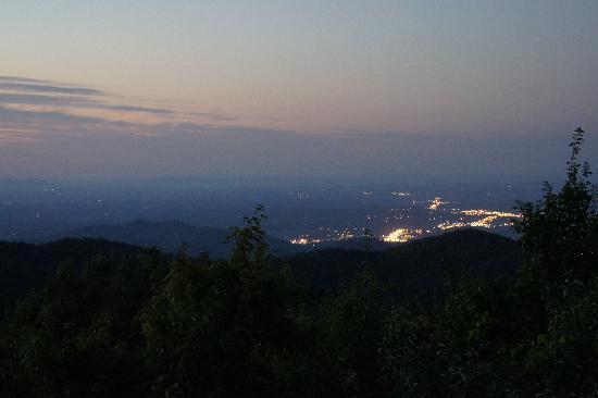 Gatlinburg, TN: Chalet rental view