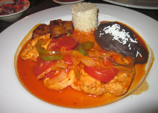 La Buena Vida Restaurant: Pollo Maya was also very good