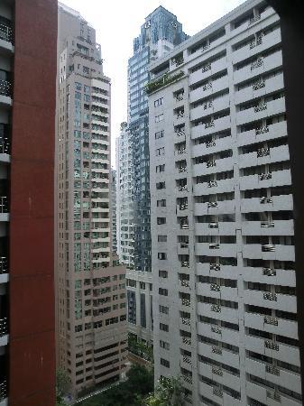 Hansar Bangkok Hotel: view
