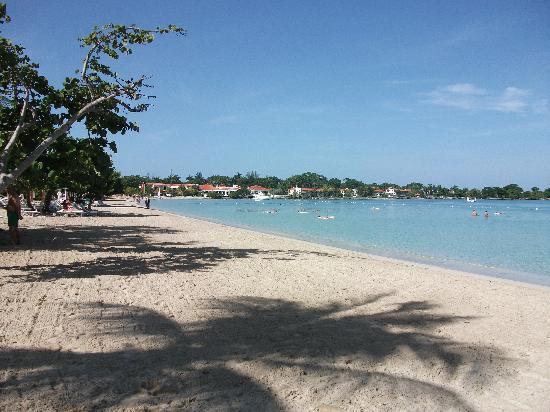 Couples Negril: Negril beach