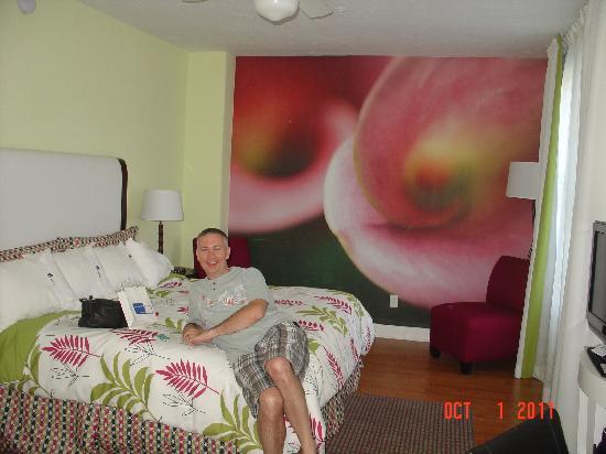Hotel Indigo St Petersburg Downtown North: Rm 228 king room