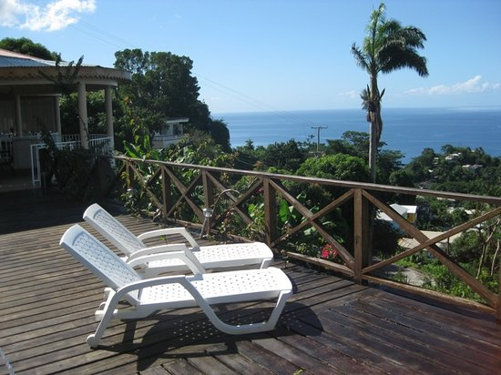 Sisserou Villa, Lodge & Cottage: Pool & View