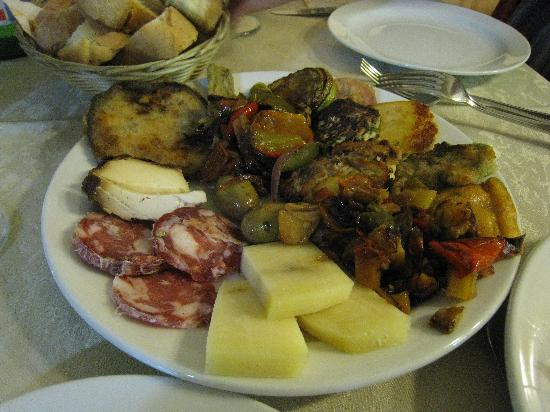 Albergo Diffuso Santa Caterina: Antipasta of Restaurant President - our favourite!