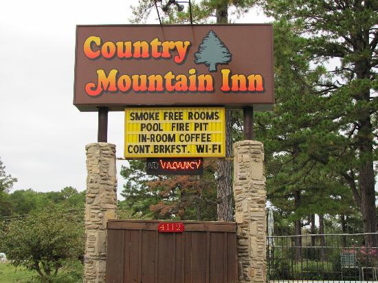 Country Mountain Inn: Good Rates and a Clean Room